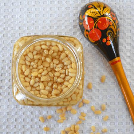 Мёд с кедровыми орехами